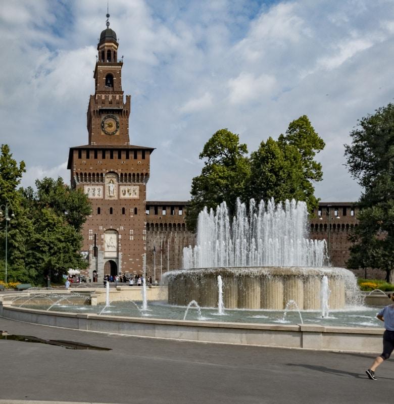Gardameer_castello-sforzesco-milaan.jpg