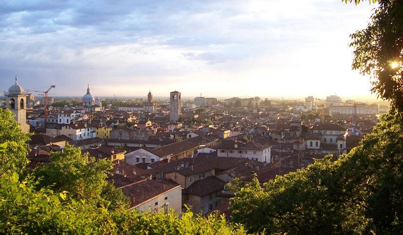 Gardameer_Brescia-panorama.jpg