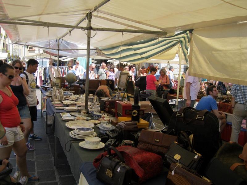 Gardameer_kunstmarkt-desenzano.jpg