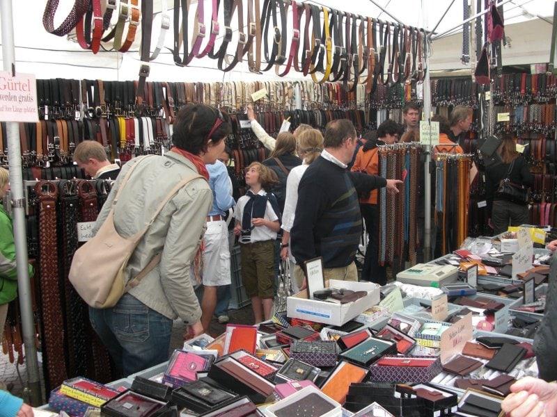 Markten bij het Gardameer op zondag 1