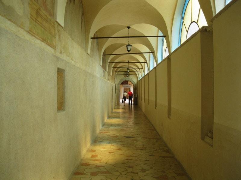 Gardameer_Santuario-madonna-frassino-3.JPG