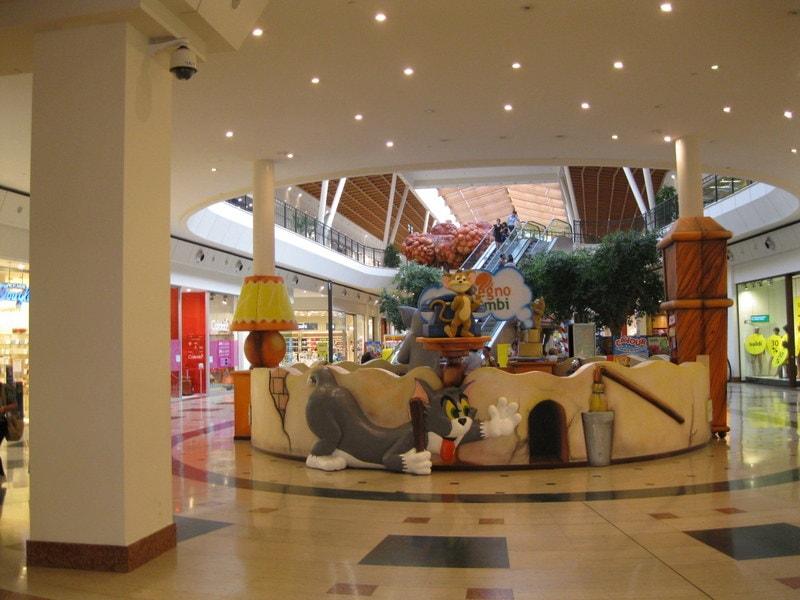 Winkelcentrum Il Leone 1