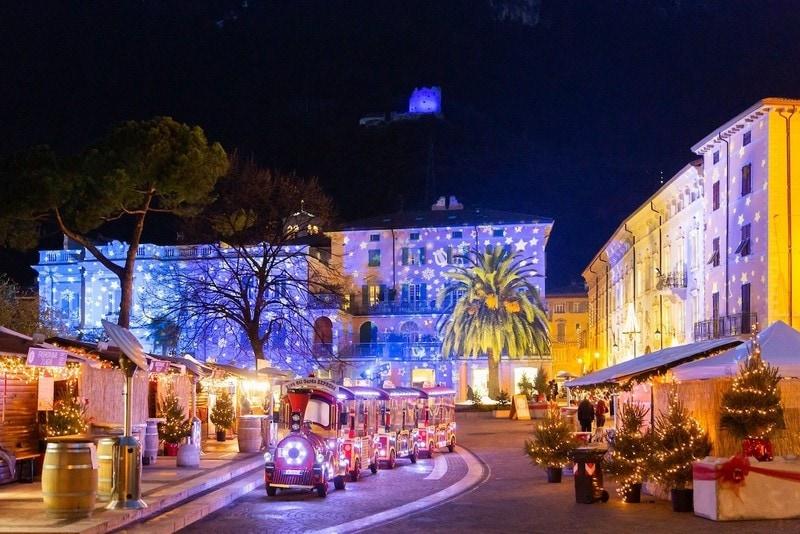 Gardameer_kerst-kerstmarkt-arco.jpg