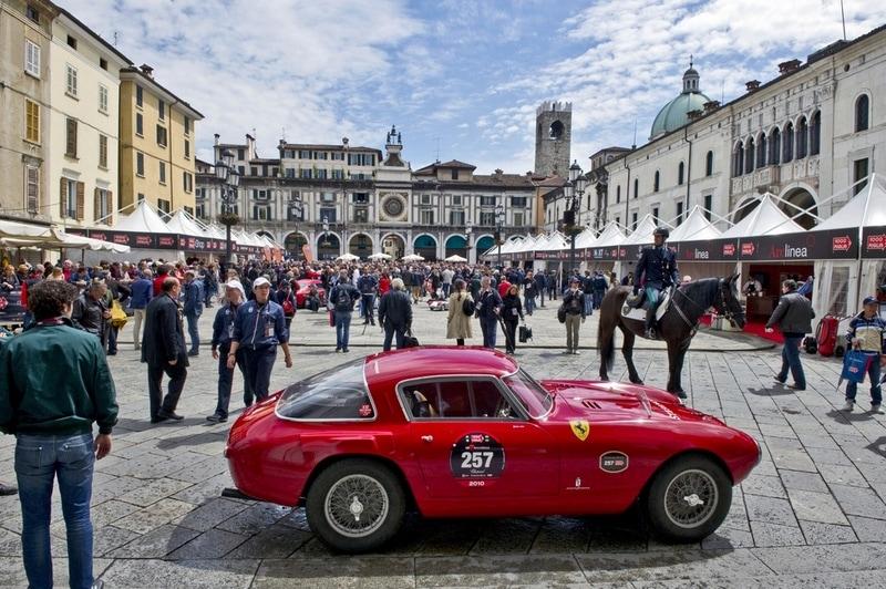 500 en Mille Miglia, beroemde rally voor oldtimers 1