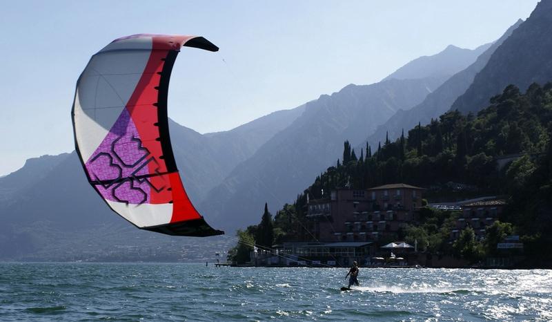Gardameer_sport-kite-2.jpg