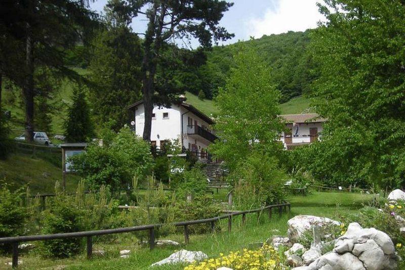 Gardameer_tuinen-Orto-Botanico-di-Novezzina.jpg