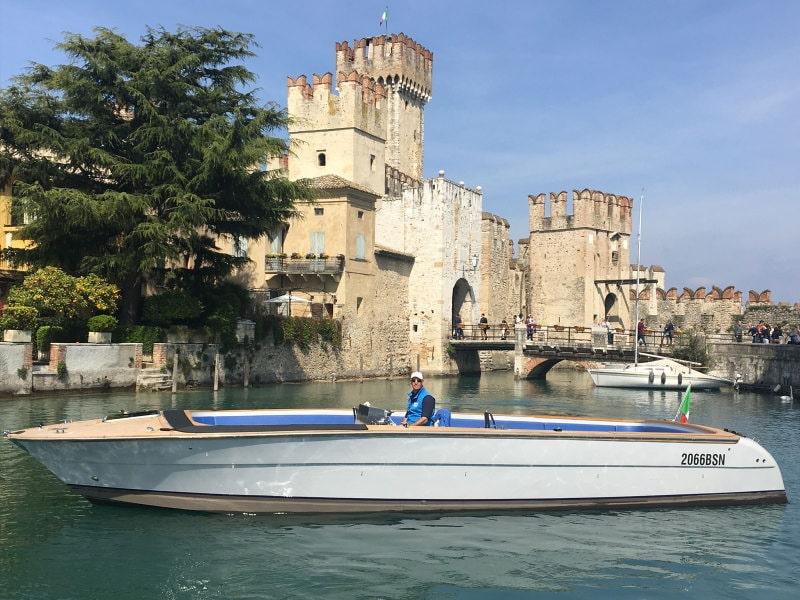 De luxe van een watertaxi 1