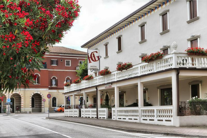 Hotels in Peschiera del Garda 2