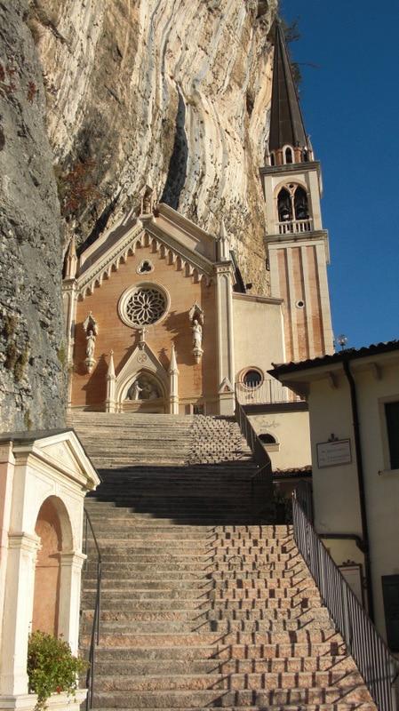 Santuario Madonna della Corona 2