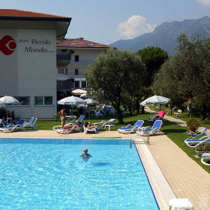Gardameer_hotels-Torbole-Hotel-libo-blue.jpg