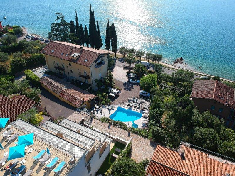 Hotels in Torri del Benaco 4