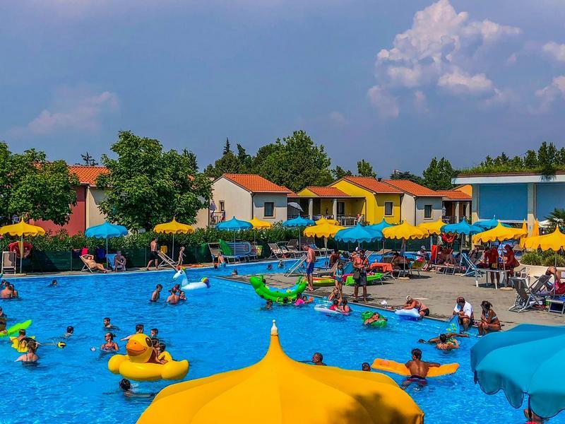 Vakantiepark Belvedere Village bij Castelnuovo del Garda 2