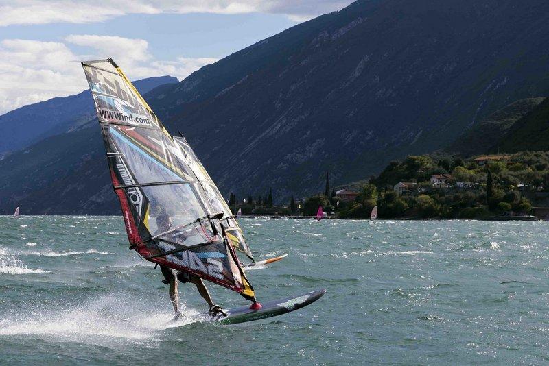 Gardameer_sport-surfing-k1.jpg