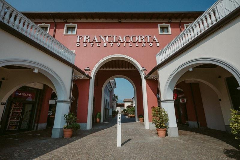 Gardameer_shopping-Franciacorta-Outlet-g.jpg