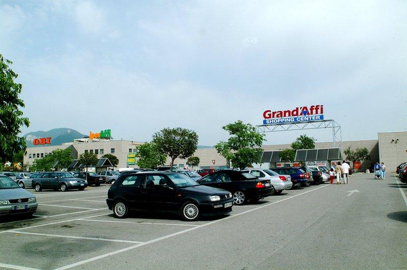 Winkelcentrum Grand'Affi 1