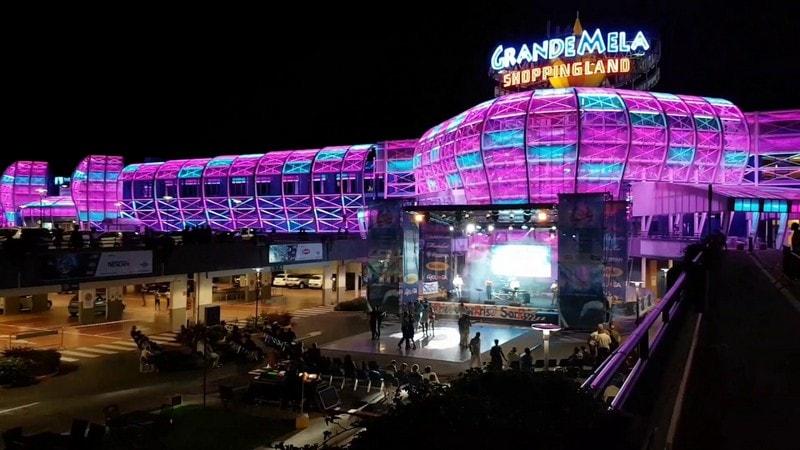 Winkelcentrum La Grande Mela 1