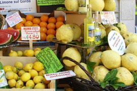 Markten bij het Gardameer op zaterdag