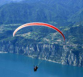 Paragliding bij het Gardameer