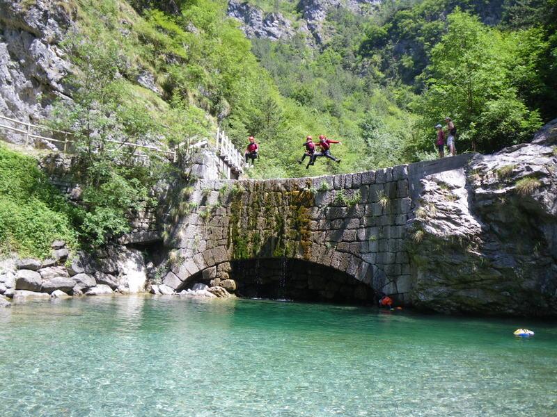 Ga mee met een canyoning-tour! 1